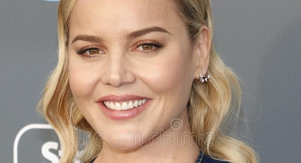 how well do you know Abbie Cornish? Play the 15 quiz questions to know!