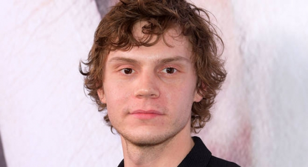 Evan Peters Quiz How well do you know about Evan Peters Quiz